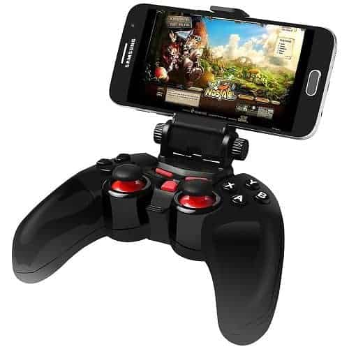 Samsung VR Headset Controller With Mounted Smartphone